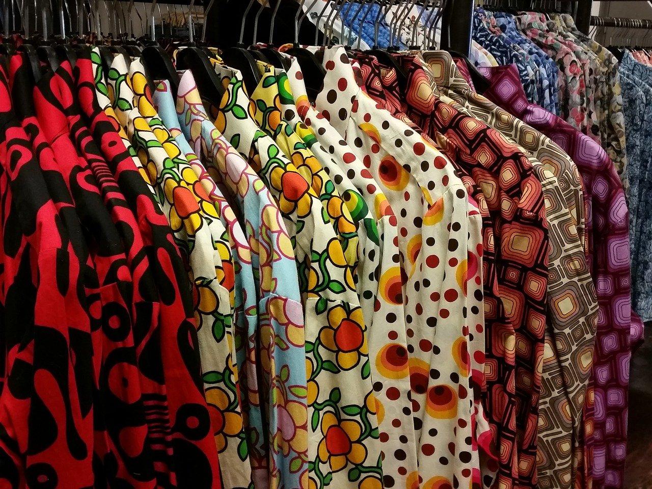 Les chemises colorées pour un look estivale